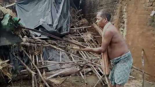 House collapsed due to heavy rains.